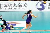 图文:中国女排获亚锦赛冠军 王一梅销魂跑动