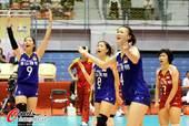 图文:中国女排获亚锦赛冠军 质疑裁判判罚