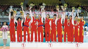 亚锦赛夺冠,对中国女排长远发展来看,不一定是好事。新华社发