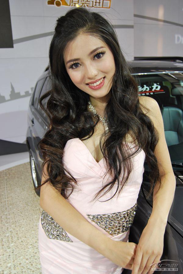 2011西安车展美女美女海量图高清人狼图片