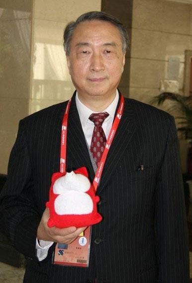 中国国际交流协会会长、原中国教育部副部长  章新胜