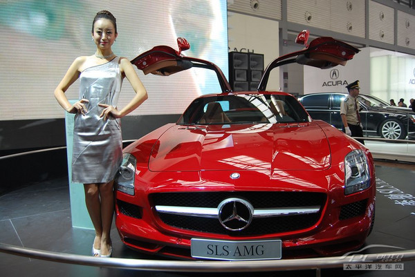 奔驰amg是什么意思_奔驰SLS AMG(组图)-搜狐滚动