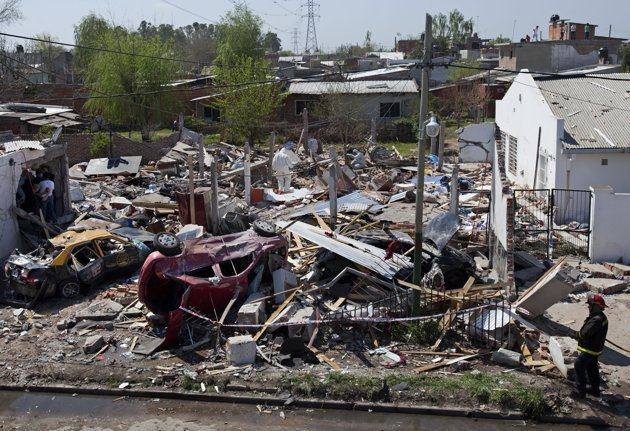 阿根廷首都爆炸致1死9伤 或煤气泄漏引起(图)