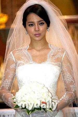 朴诗妍突然宣布11月结婚 老公是证券公司职员
