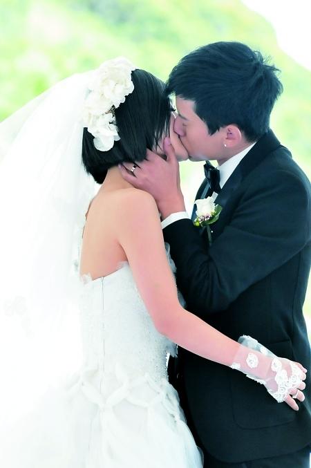 张杰谢娜拥吻