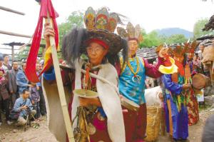 纳西族东巴舞表演。