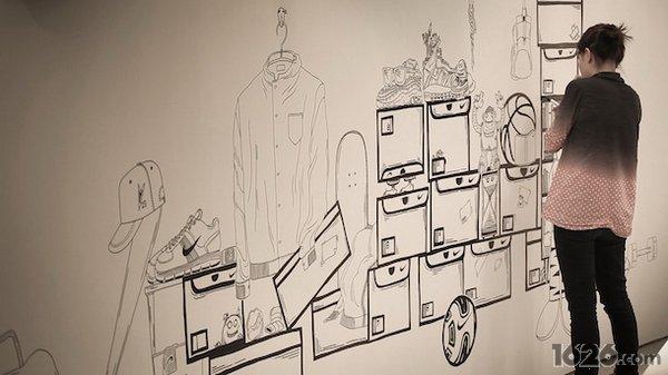 个性黑白手绘墙画分享; 耐克最新时尚墙绘;
