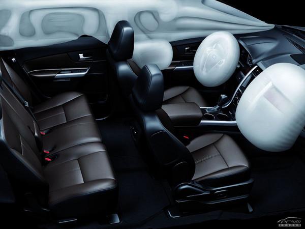 操作感觉和使用智能手机或mp3播放器十分相似,驾驶者可根据个人喜好