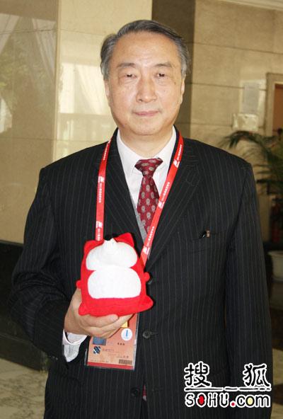 中国国际交流协会会长 章新胜