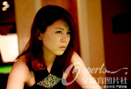 组图:韩9球女皇金佳映拍写真 小女人魅力尽显