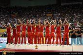 图文:[亚锦赛]男排1-3获亚军 队员答谢观众