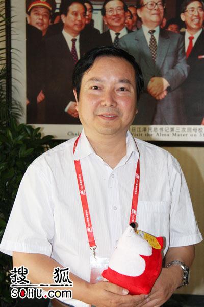 巨人教育集团董事长尹雄。