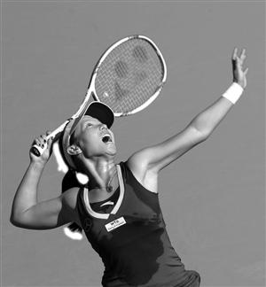 中国选手郑洁在比赛中 新华社发