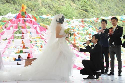 张杰和谢娜结婚全程_谢娜斥婚礼礼金三千万传闻 称回忆是无价宝(组图)-搜狐滚动