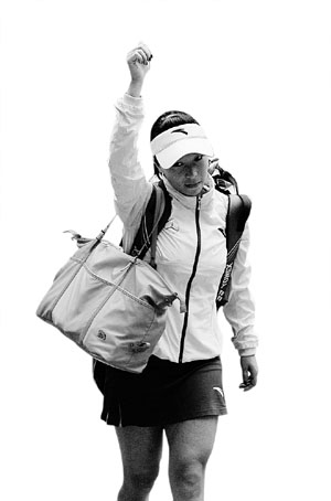 由于老伤,郑洁并没有在本届中网单打比赛中找到最佳状态