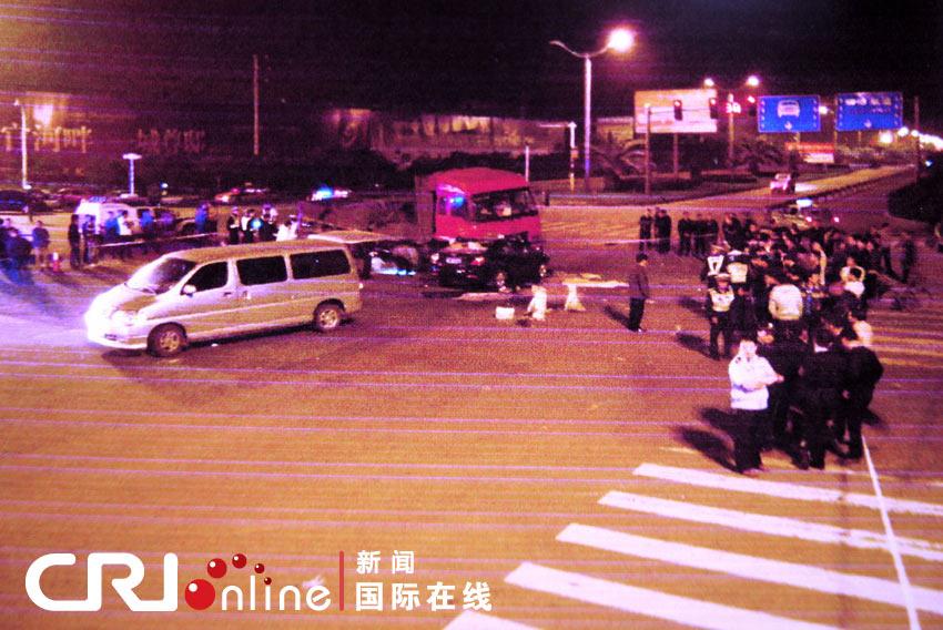 浙江台州车祸图片_浙江台州一辆大货车与轿车相撞致7死1伤(高清组图)-搜狐滚动