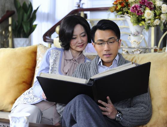 刘雪华、刘恺威母子连心
