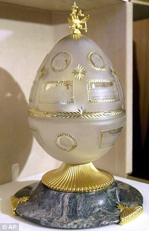 圣彼得堡建城300周年复活节彩蛋,由俄罗斯宫廷珠宝商人法贝热的孙子制作