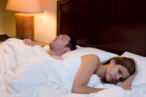 日本换妻潮噴经历_《一夜迷情》明日上映 沃辛顿门德斯激情缠绵