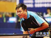 图文:[乒乓球]全锦赛男团决赛 侯英超严阵以待