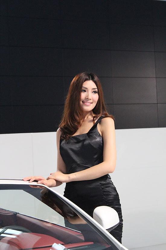 2011杭州车展车模:气质型美女