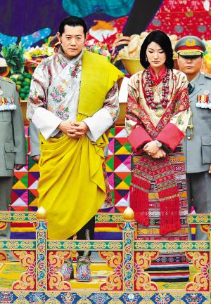 旺楚克国王和他的未婚妻在普那卡佛寺的婚礼上。