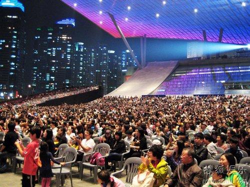 数千人集体观影