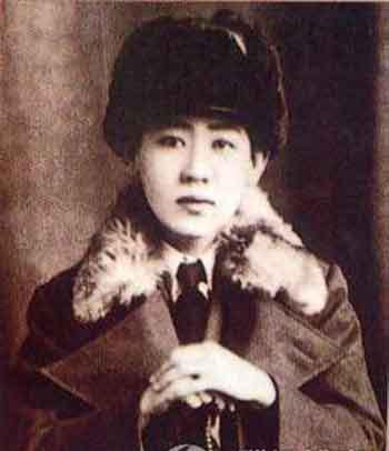 肃亲王的十四格格,川岛芳子(又名金璧辉),中国名爱新觉罗·显玗,二战中著名的日军女间谍。