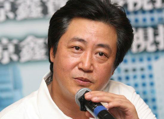 """导演赵宝刚""""第一个吃螃蟹的人"""""""