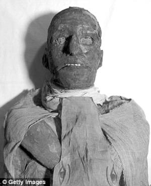 埃及法老的木乃伊-英国男子捐遗体制木乃伊 全程被拍成纪录片图片