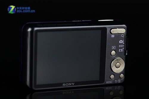 图为:索尼W570背面