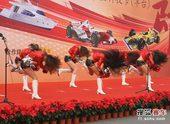 图文:北京国际车辆模型赛开幕 狂甩秀发