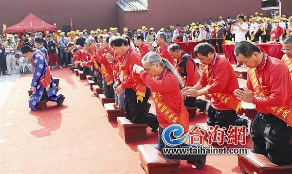 """城隍爷首次""""跨海""""在漳州龙海大团聚"""