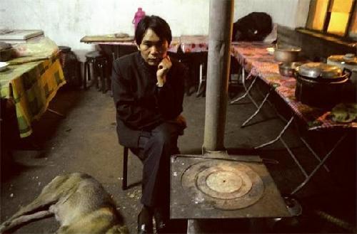 震慑心灵 外国摄影师镜头下中国民工的生活 大连巴洛克婚纱摄影吧