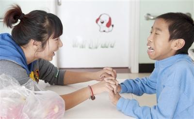 大同凤临阁姐弟相依弟弟被送福利院姐姐承诺将养他一辈子-搜狐新闻大同-電話