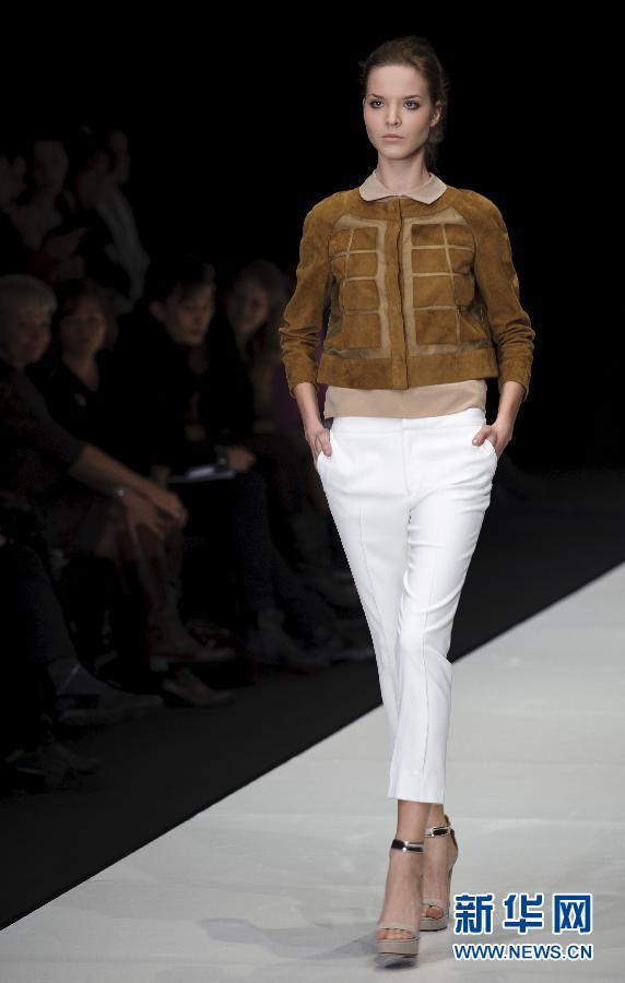 意大利新秀设计师服装亮相俄罗斯时装周(组图)