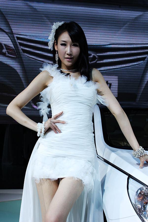 2011杭州车展放电可人女模 精彩十三连拍