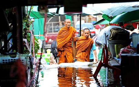 泰国洪灾已导致373人死亡,77个省中有26个被淹。