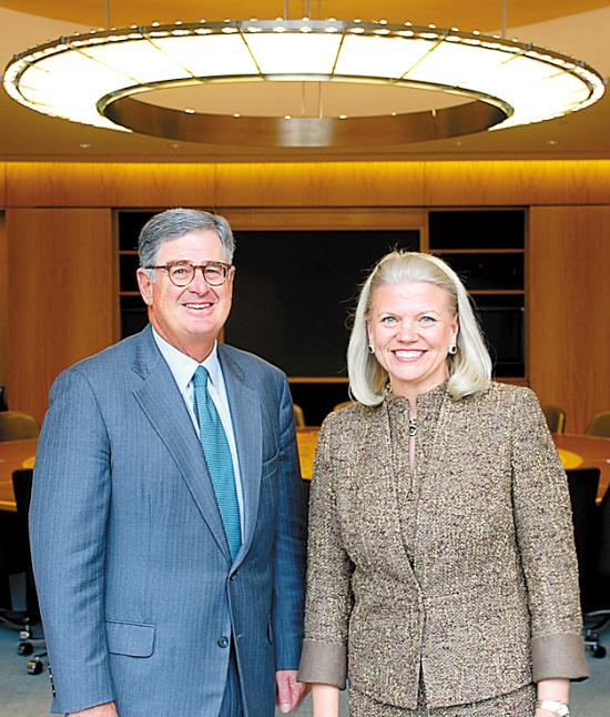 IBM迎来首位女首席执行官 喜欢双肩背包