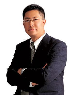 李阳妻子诉离婚法院受理 要求抚养权分割财产