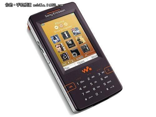经典的Walkman手机w958c