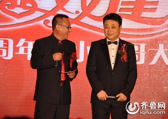 《拉呱》主持人小么哥在济南举行了盛大的婚礼,迎娶妻子刘婧.