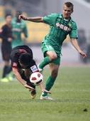 图文:[中超]北京2-3陕西 乔尔犯规