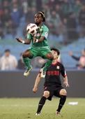图文:[中超]北京2-3陕西 小马丁控球