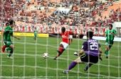 图文:[中超]广州3-0杭州 穆里奇首开纪录