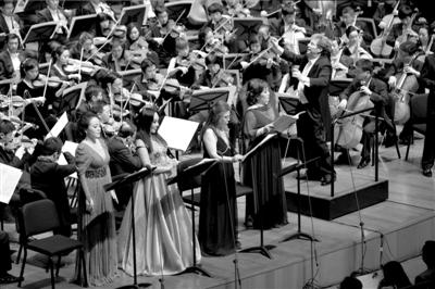 耶欧 莱维执棒,400多人共同演绎马勒第八交响曲 大剧院供图