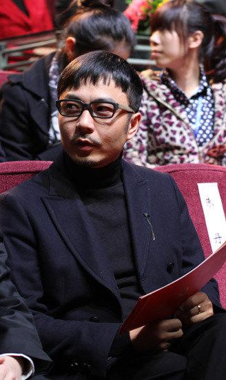 大学生电视节闭幕 汪涵朱丹获学生最爱主持人奖