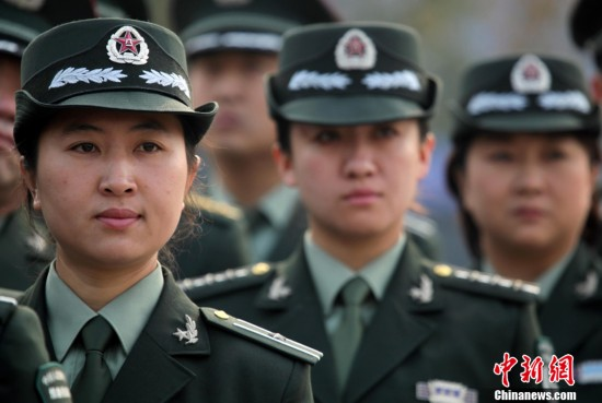 07式预备役军服让女预备役军官更显英姿-辽宁陆军某预备师换新装 精图片