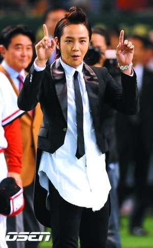 张根硕在东京出席活动。