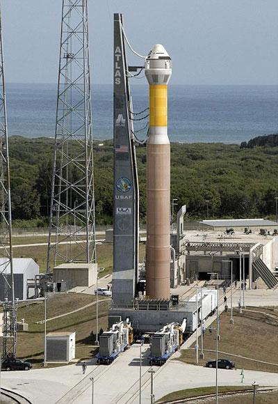 通过航天飞机使用的轨道飞行器处理设施发射其研发的cst-100号
